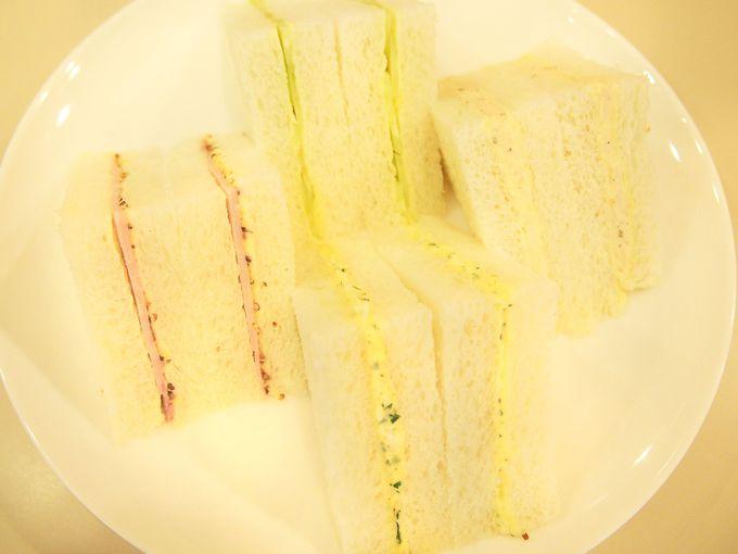 全て手作りのスイーツ8種&サンドイッチ4種
