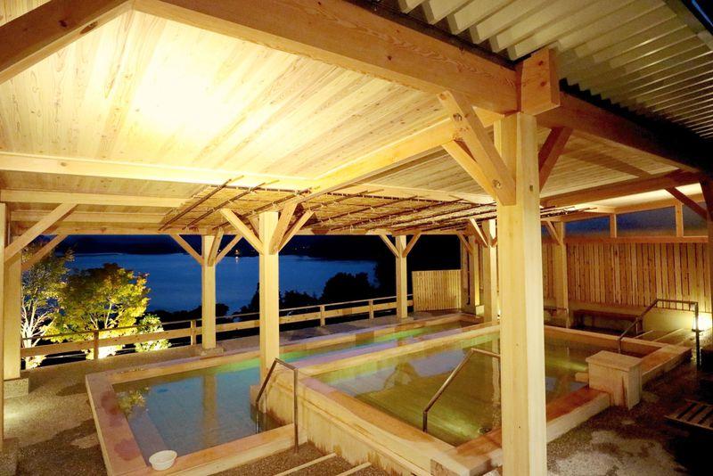 絶景露天風呂は開放感抜群!高知県「宿毛リゾート椰子の湯」