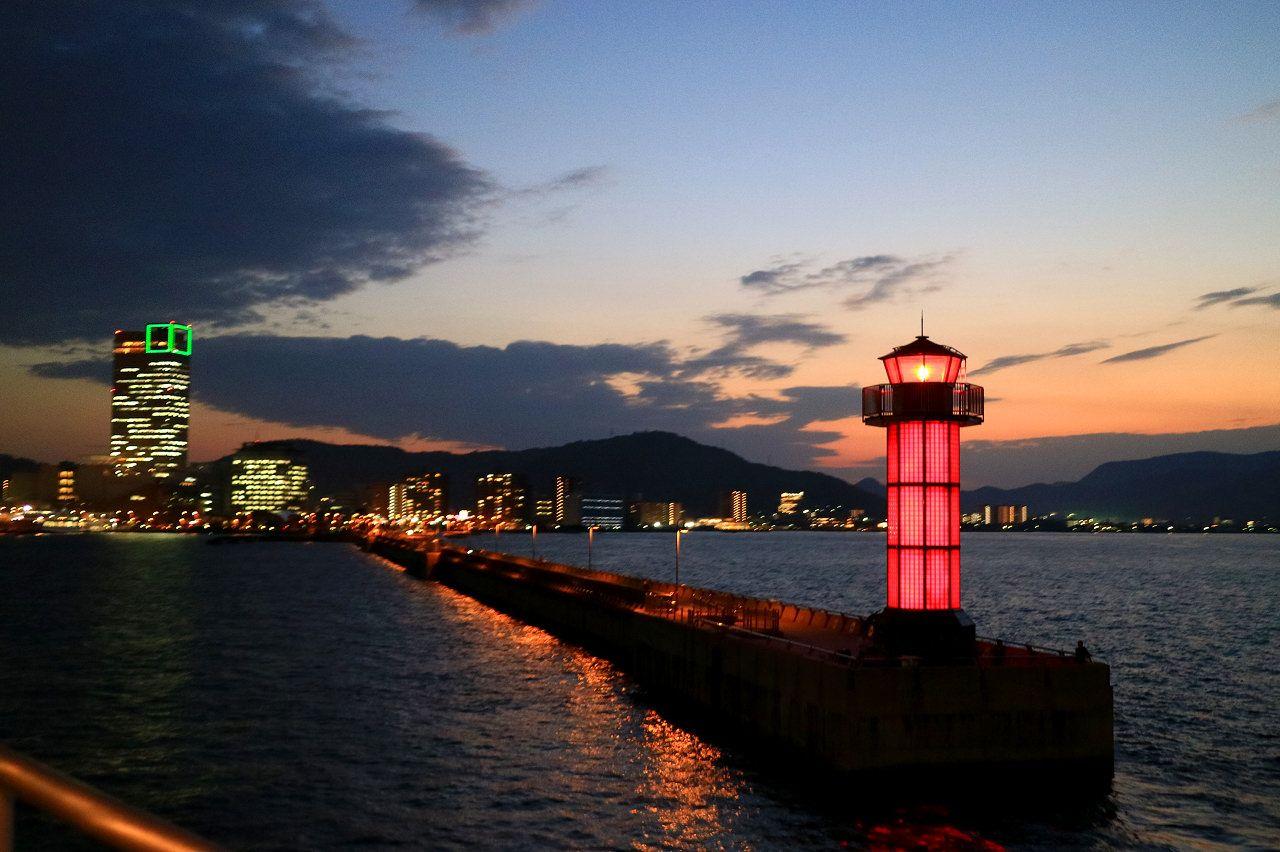 会場は香川の海の玄関口「高松港」
