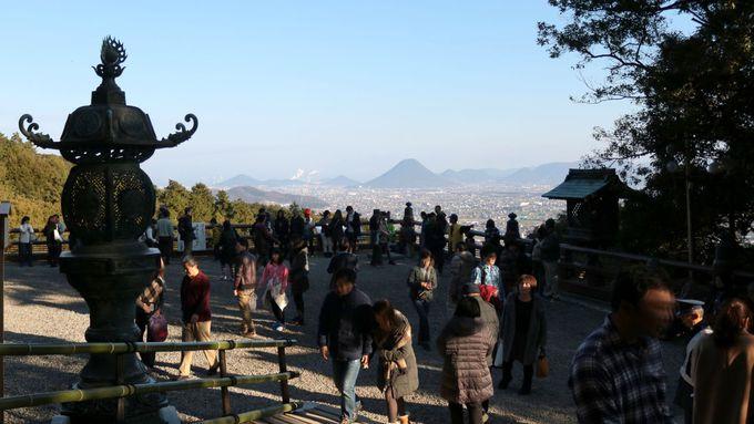 御本宮と展望台からの景色