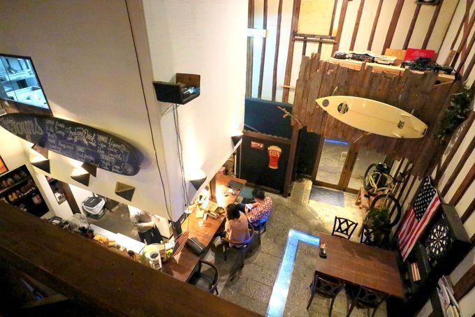 アメリカンな「Cafe&dinner JOYNS」は2F席がオススメ!