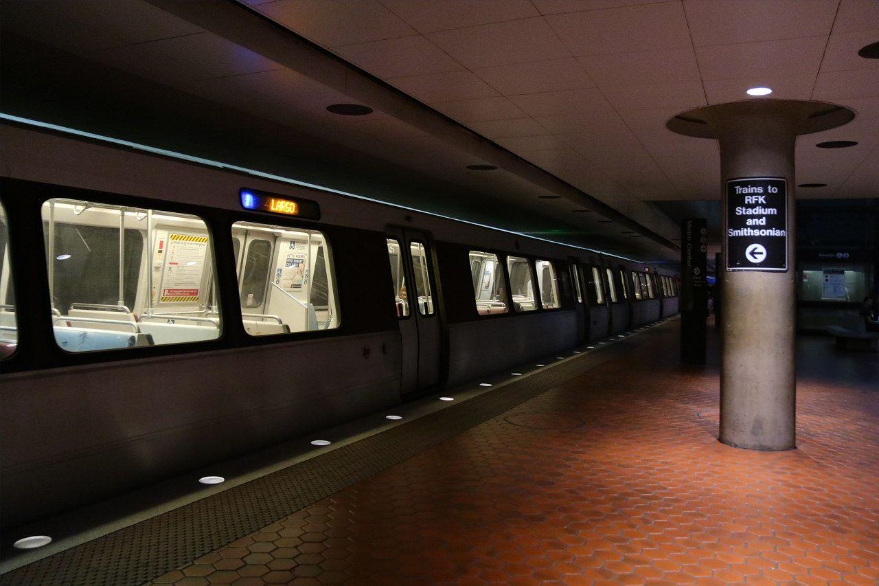 地下鉄メトロセンター降りてスグのマリオット