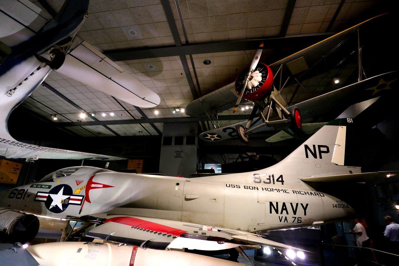 航空母艦USSスミソニアンに乗船!?