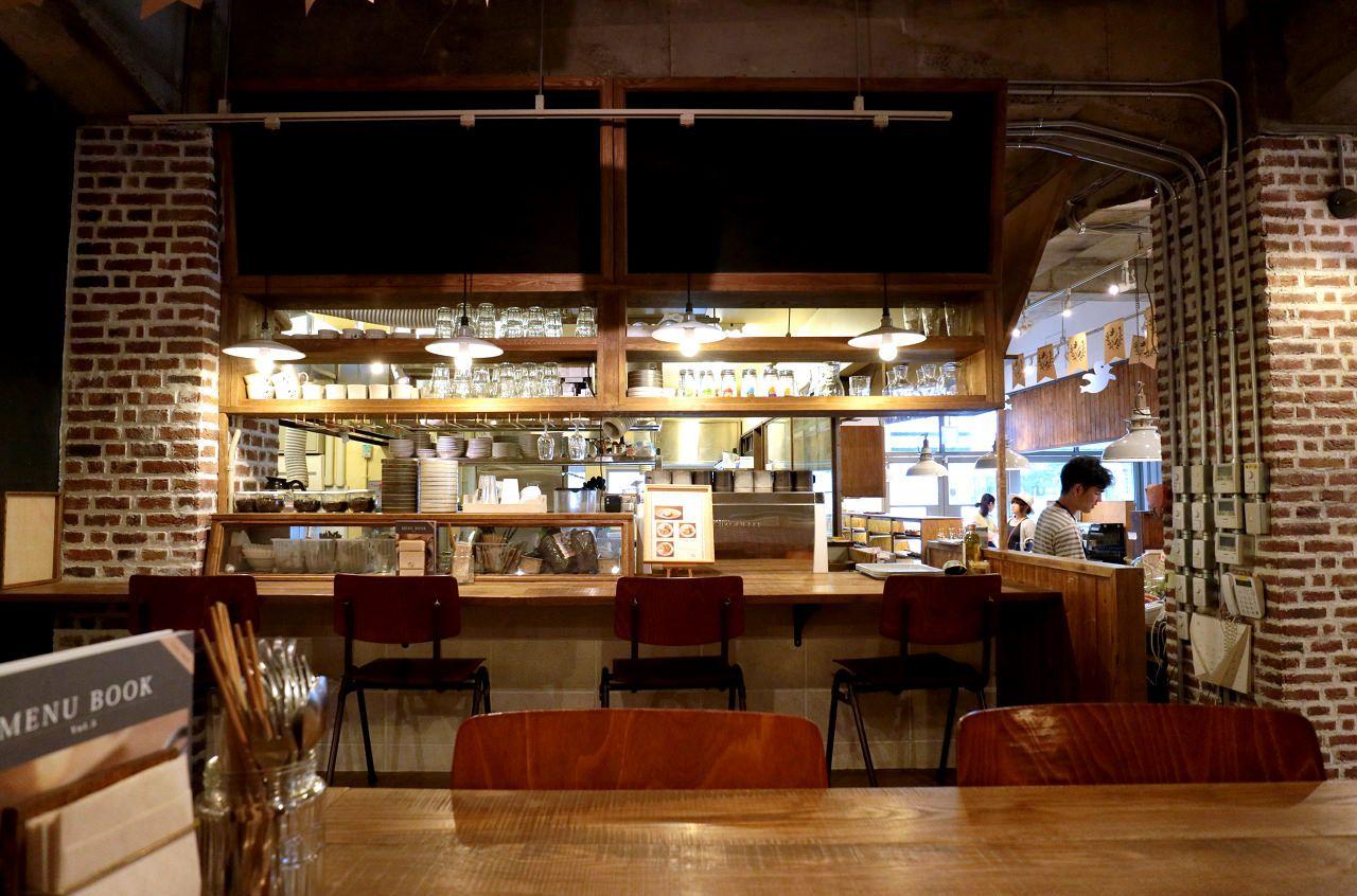 人気タルト店のベーカリーカフェ「オハコルテ ベーカリー」