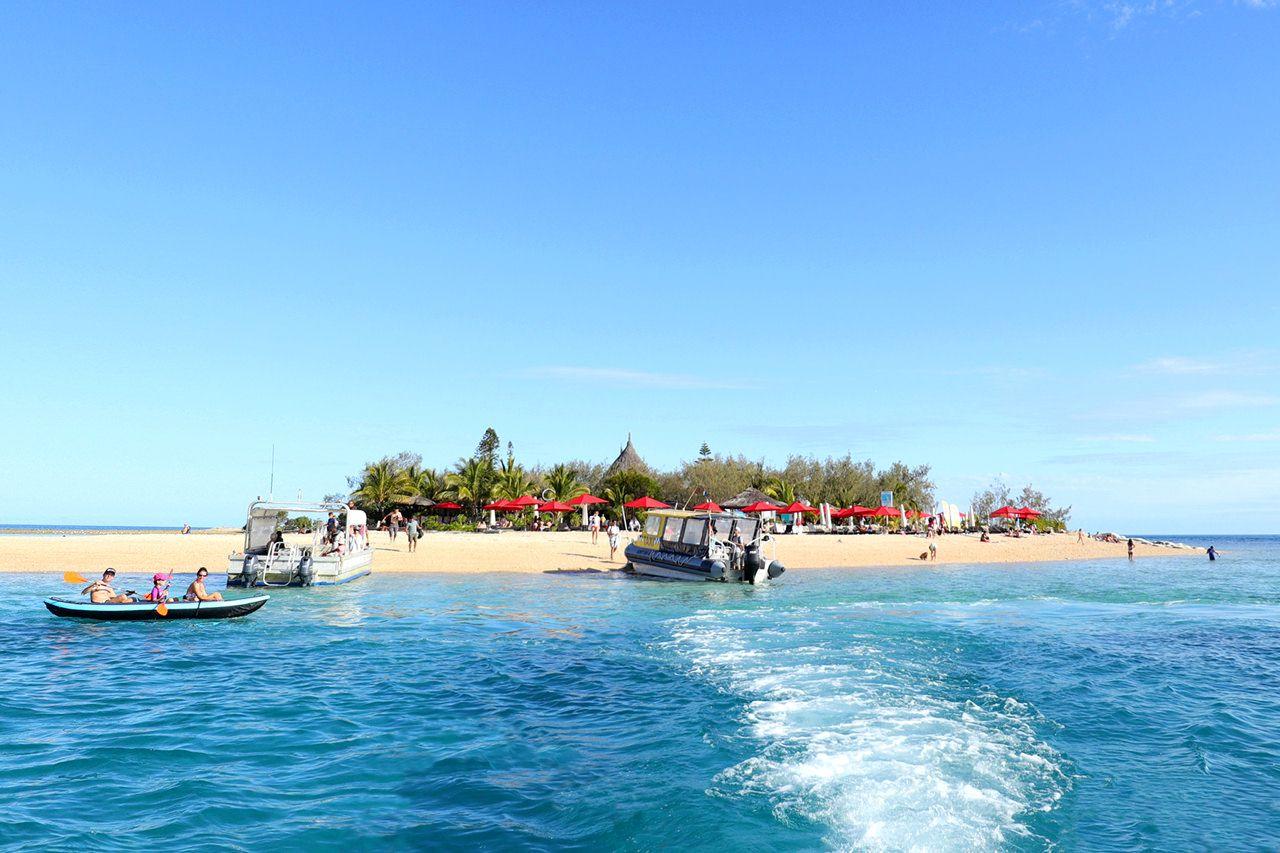 午前〜正午:気軽に渡れる無人島へGO!