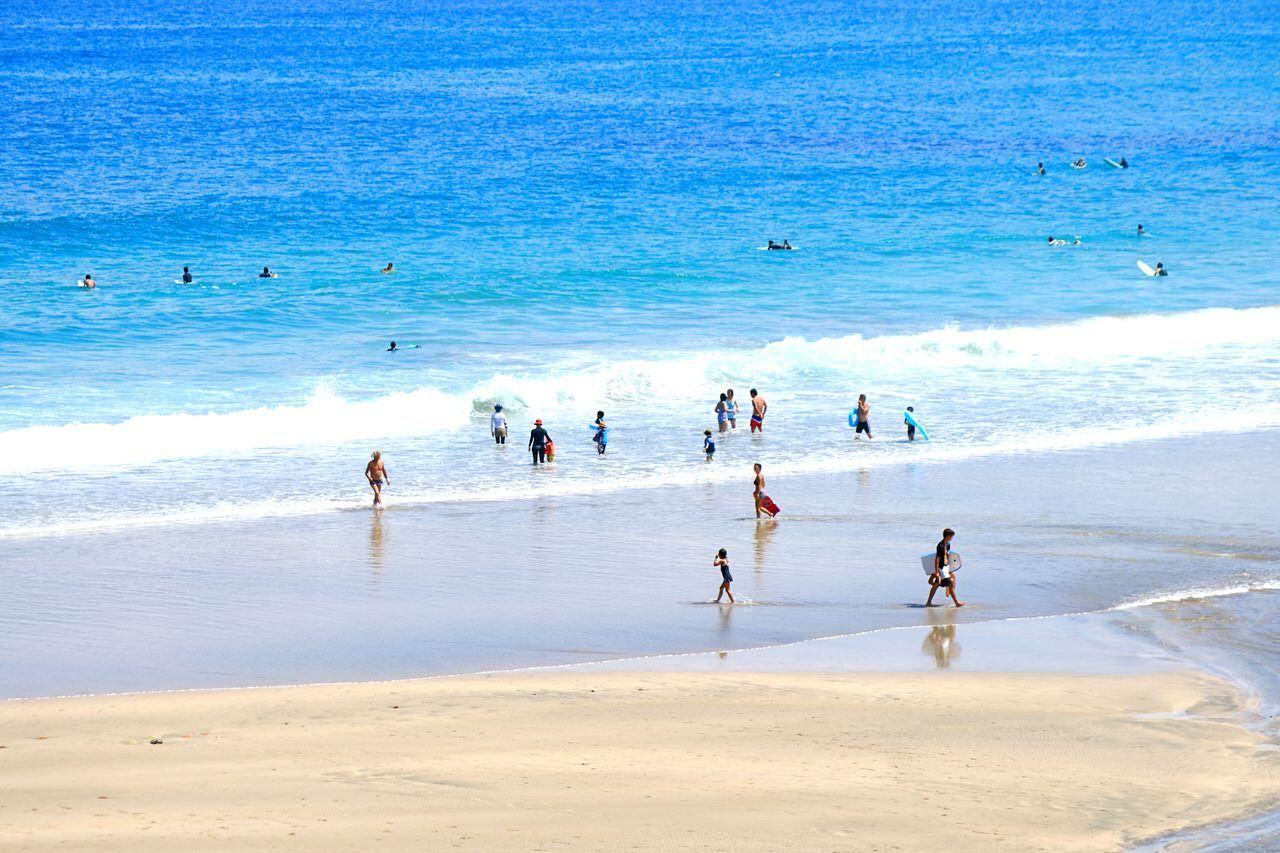 サーファーにも年中愛されている大岐海岸