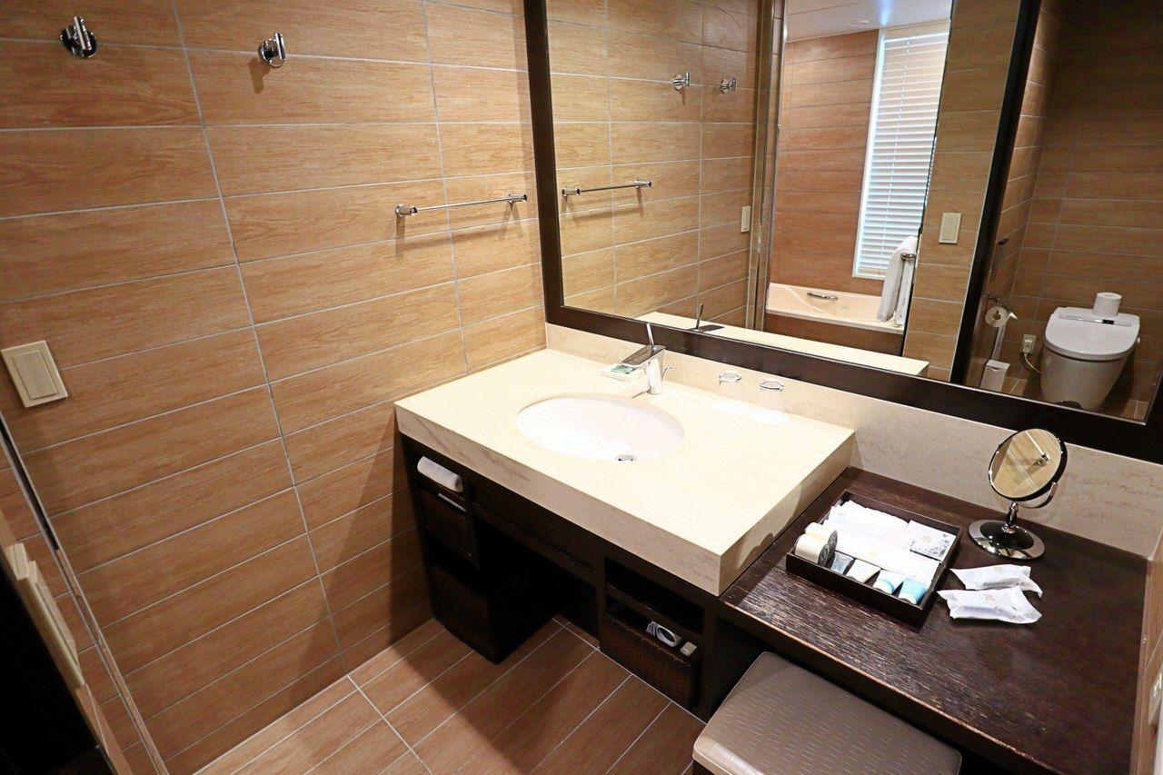 バスルームは独立タイプ!湯船でのんびりリラックス