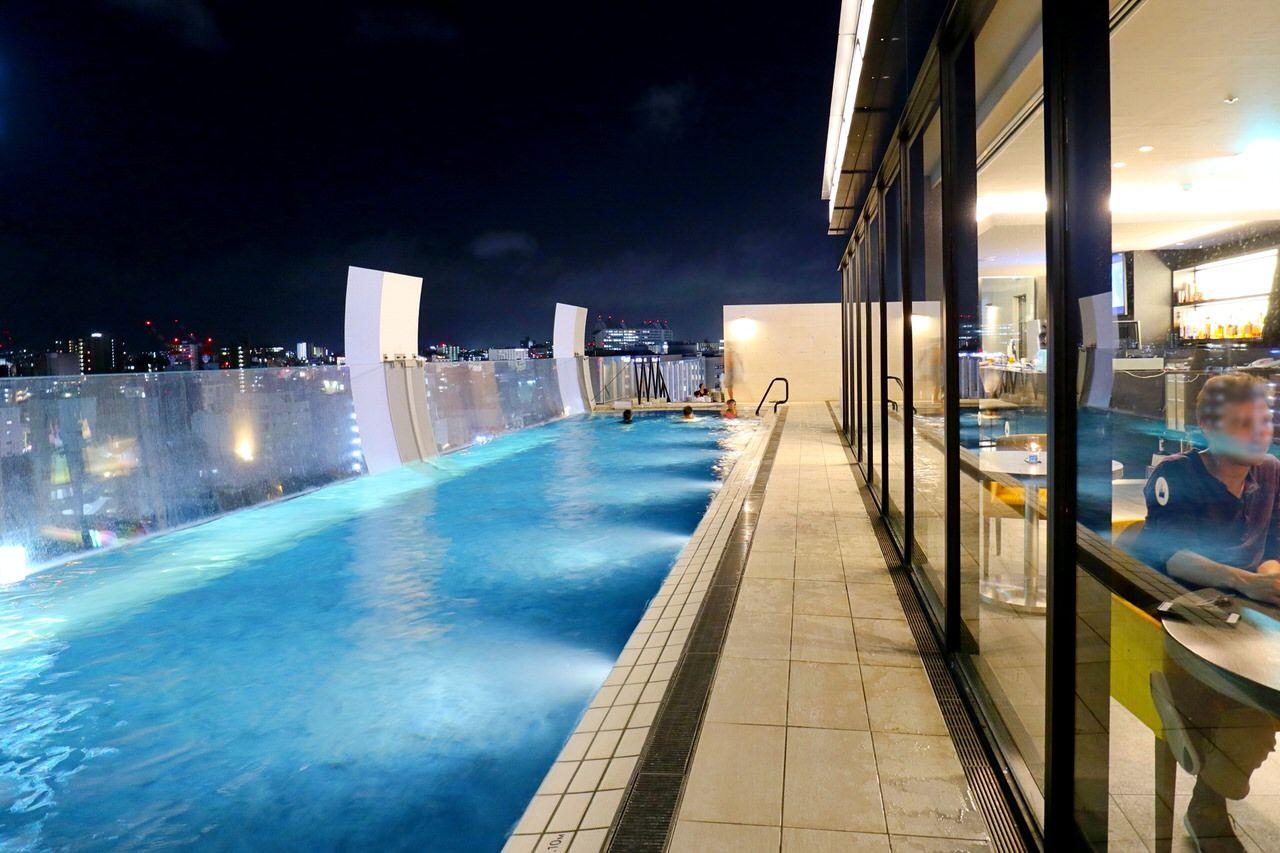 泳がなくても楽しめる!屋上シースループール