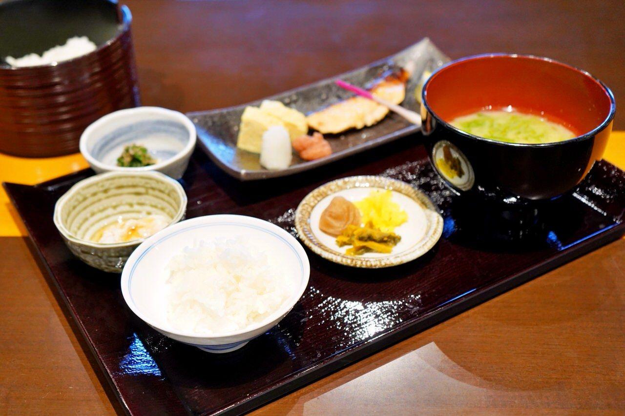 朝食は和・洋2タイプ