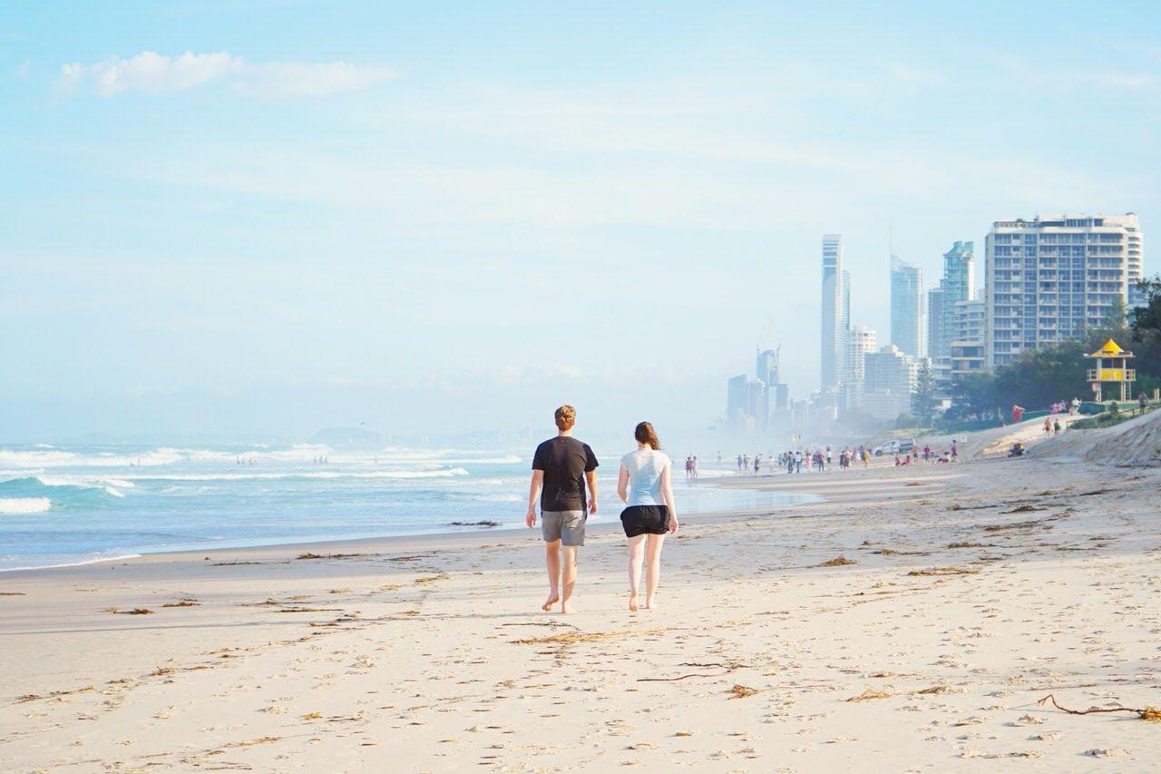 人が少なく落ち着いた雰囲気のメインビーチ