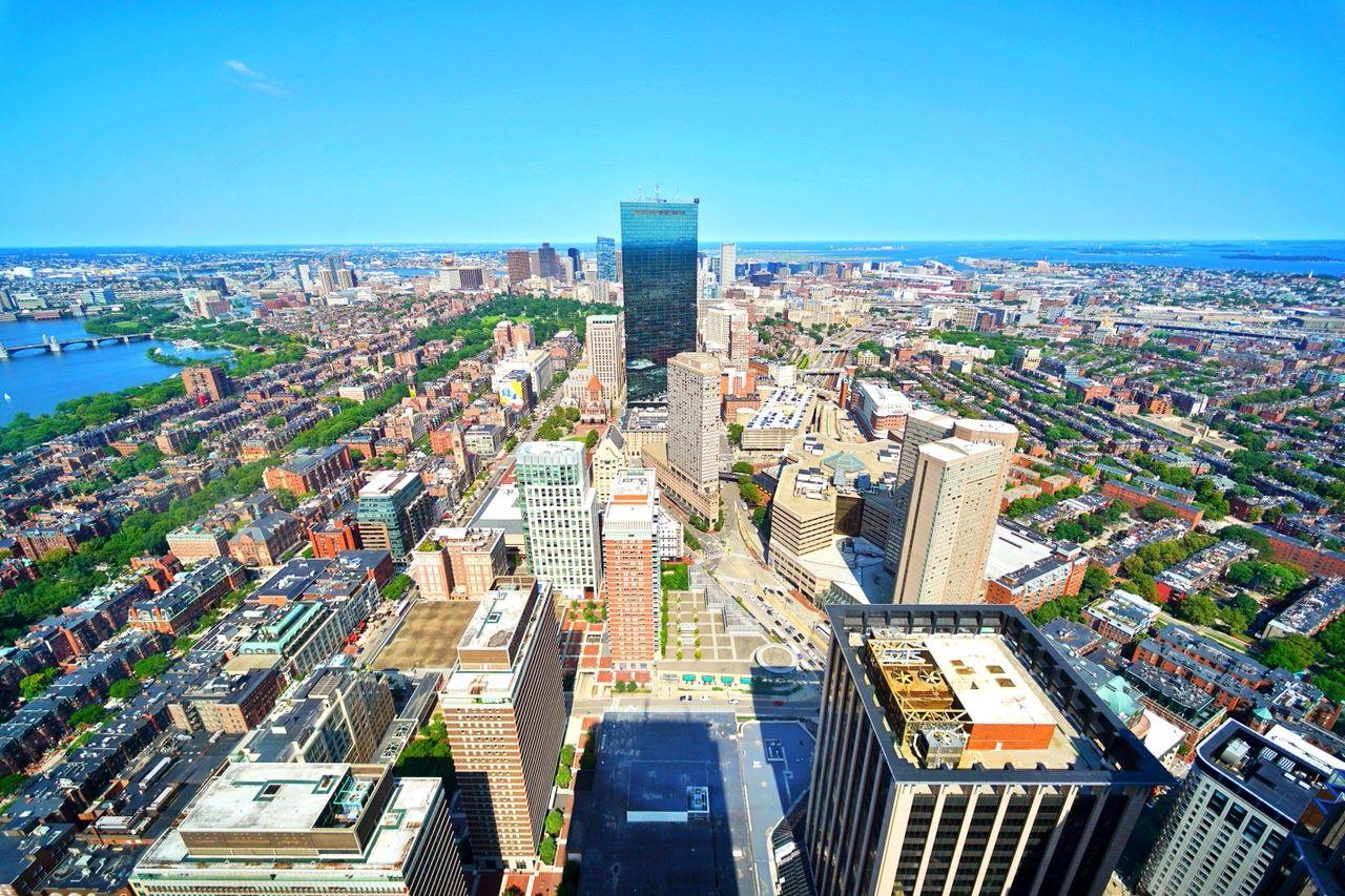 高層階から一望できるボストンの街並み