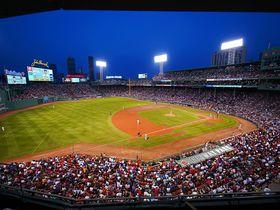 歴史ある「フェンウェイパーク」でボストンレッドソックス観戦!