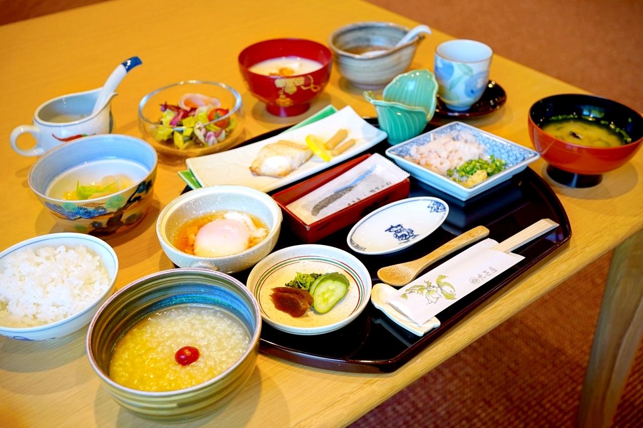 """""""茶粥""""と""""温泉豆腐""""がウリの朝食"""
