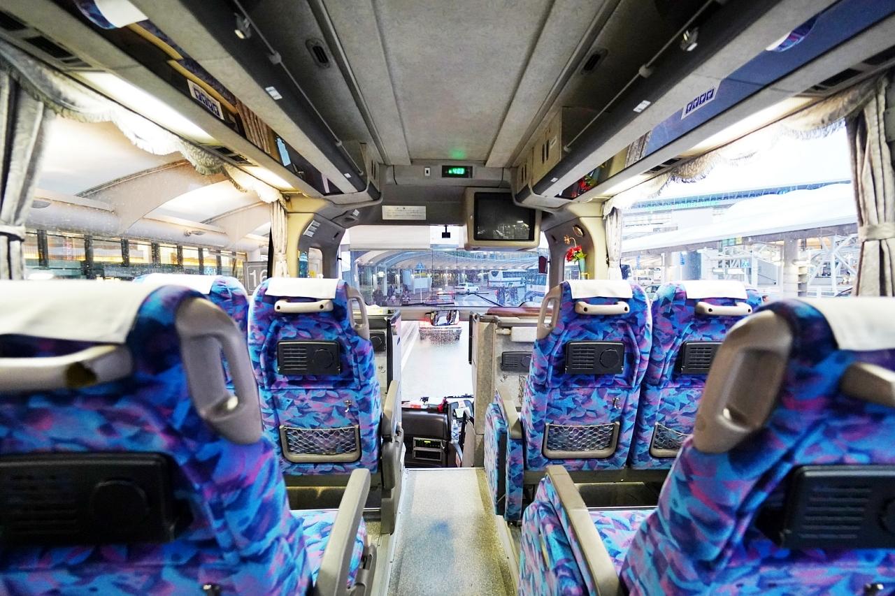 成田国際空港へは無料シャトルバスで!