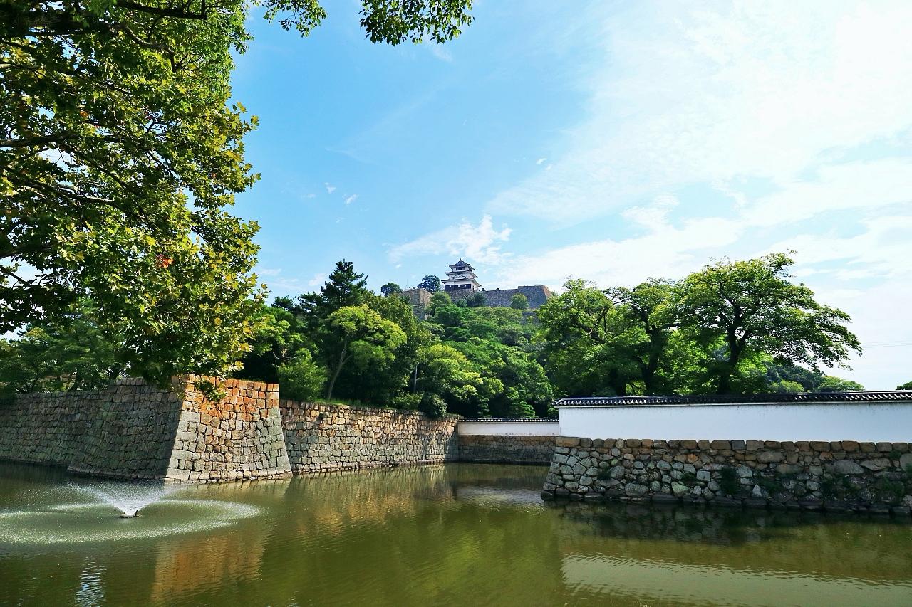 天守からの景色も必見!石垣の名城「丸亀城」