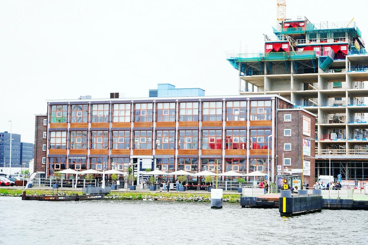 かつて造船所があった土地が最新スポットに!
