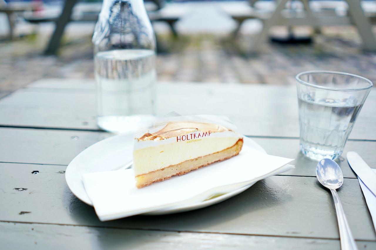 散策の合間に寄りたいカフェ・バー
