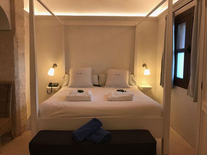 お部屋はシンプルながら可愛らしい内装