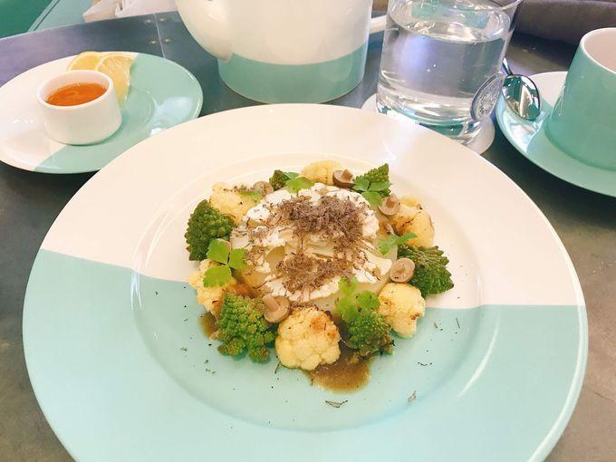 ティファニーで朝食を、が叶う「ブルーボックスカフェ」