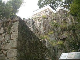 日本三大山城「備中松山城」岩盤上の石垣が素晴らしい!