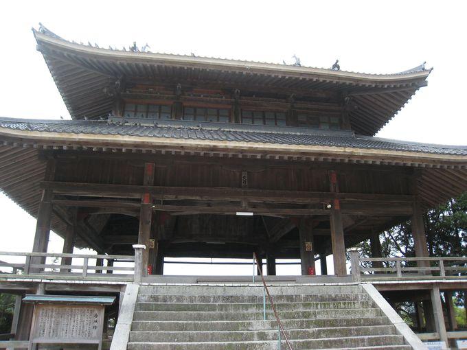 五重塔の基礎を持つ楼