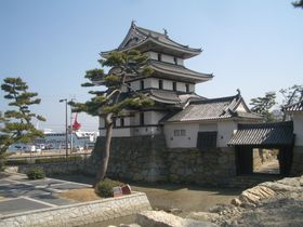 海の「大手門」と真鯛が泳ぐ「堀」!日本三大水城「高松城址」