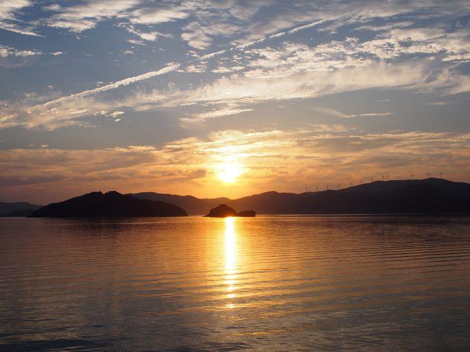 フェリーから愉しむ豊後水道の夕日