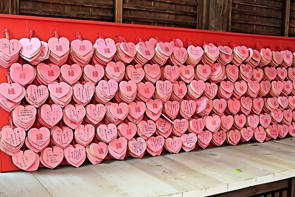 お稲荷さんで恋のキューピットが微笑む?犬山城麓「三光稲荷神社」