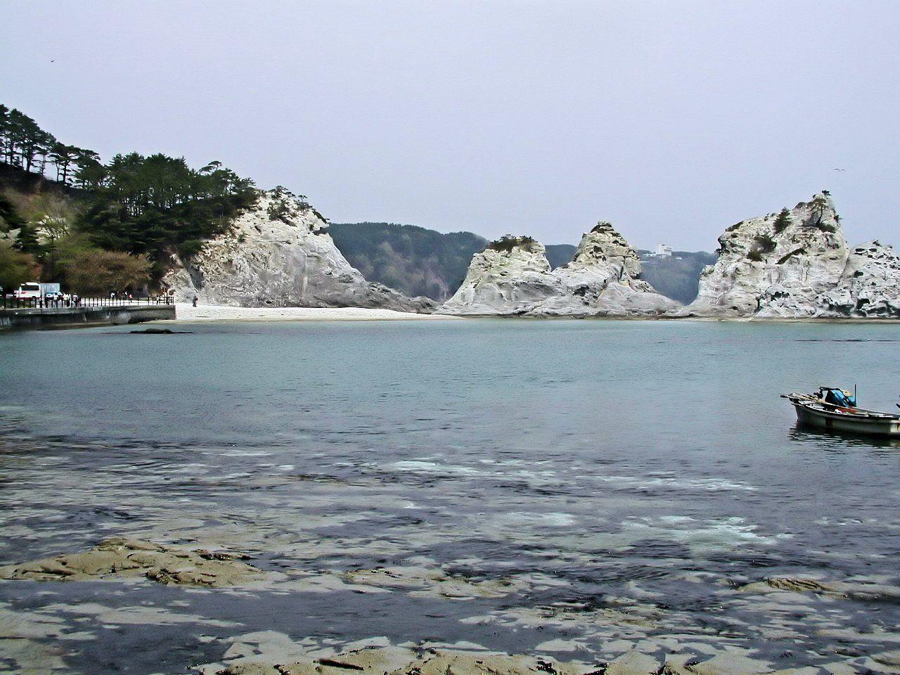 浄土ヶ浜の素晴らしい景観を伝えるため環境省が整備したビジターセンター