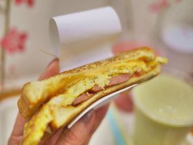 釜山の路地裏で至福の朝食!幸せのふわふわトーストサンド「シンチャントースト」
