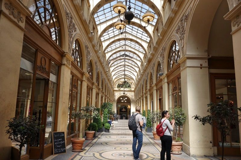 雨でも楽しめる!パリの美しいアーケード街「パッサージュ」3選