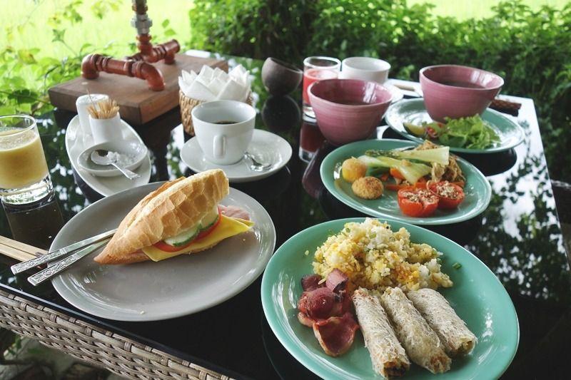最高のロケーションでいただく至福の朝食