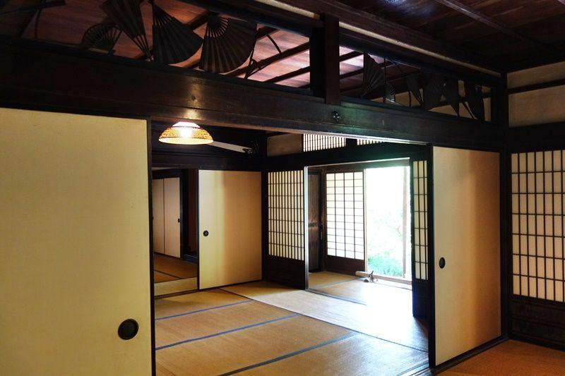 内部見学可能な合掌造りの重要文化財「旧矢箆原家住宅」