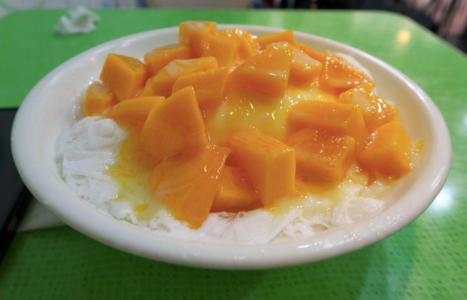 芒果雪花冰はスノーアイスに輝くマンゴーがどっさり!