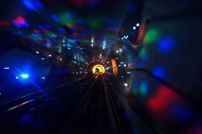 上海の新旧を繋ぐ観光隧道