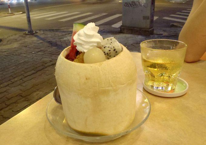 2大アイスクリーム店の「ファニー」と「ケムバクダン」