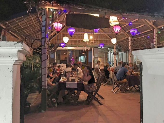 人気レストラン併設の小さな海辺のオーベルジュ