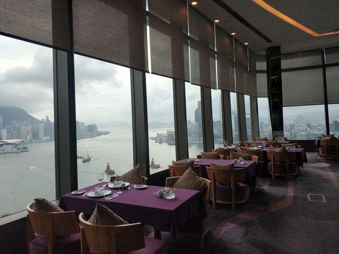 3,一面に広がる窓ガラスからの絶景 Le 188°Restaurant &Lounge