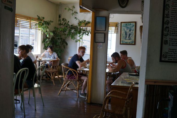 The LORDS CAFE(ザローズカフェ)、口コミでヨーロッパ人が集まる