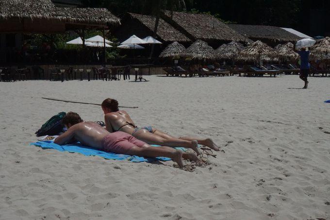 クチルの浜辺はゆっくりした時間が流れる