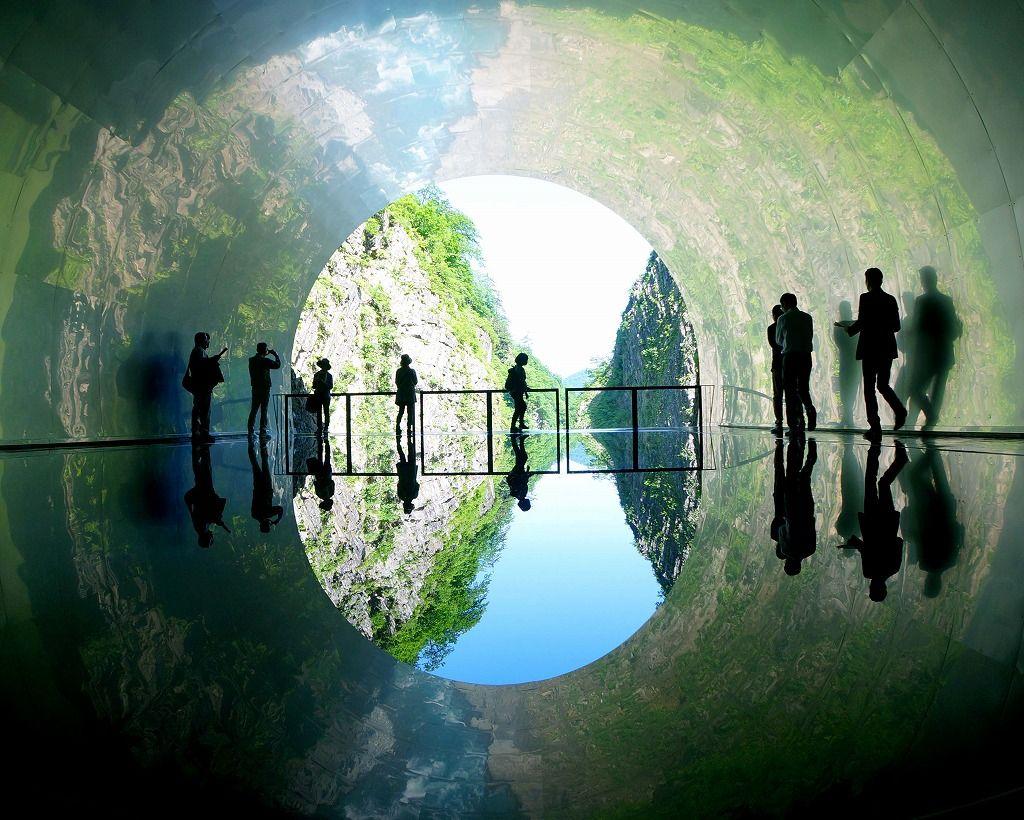 大地の芸術祭の目玉!自然美とアートのコラボ「清津峡渓谷トンネル」