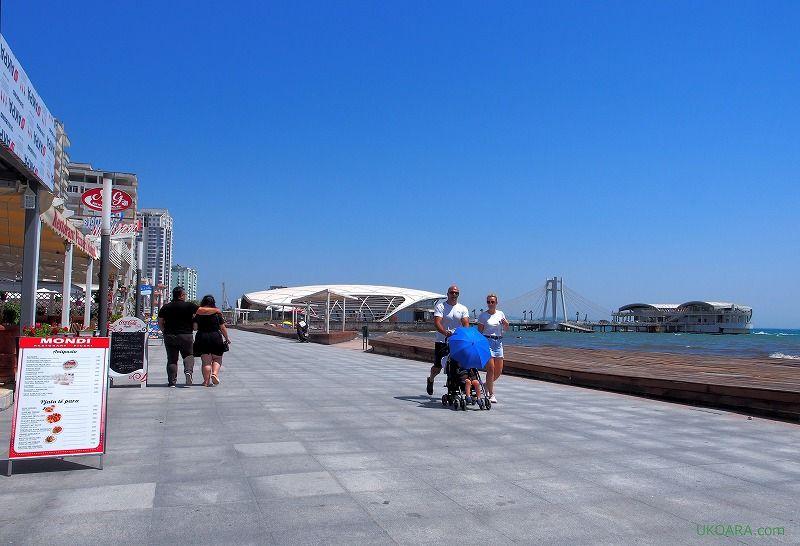 美しいアドリア海を臨む港町「デュラス」
