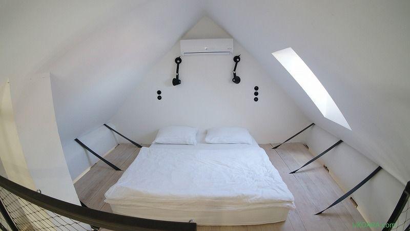 ロフト付のグリーンの部屋