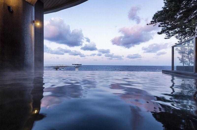 インフィニティ湯で癒される 南紀白浜「ホテルシーモア/SHIRAHAMA KEY TERRACE」