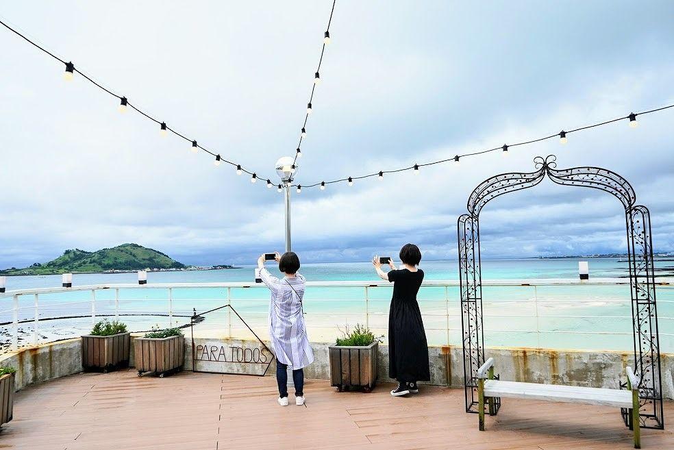 ヒョプチェビーチの見えるカフェ「PARA TODOS」