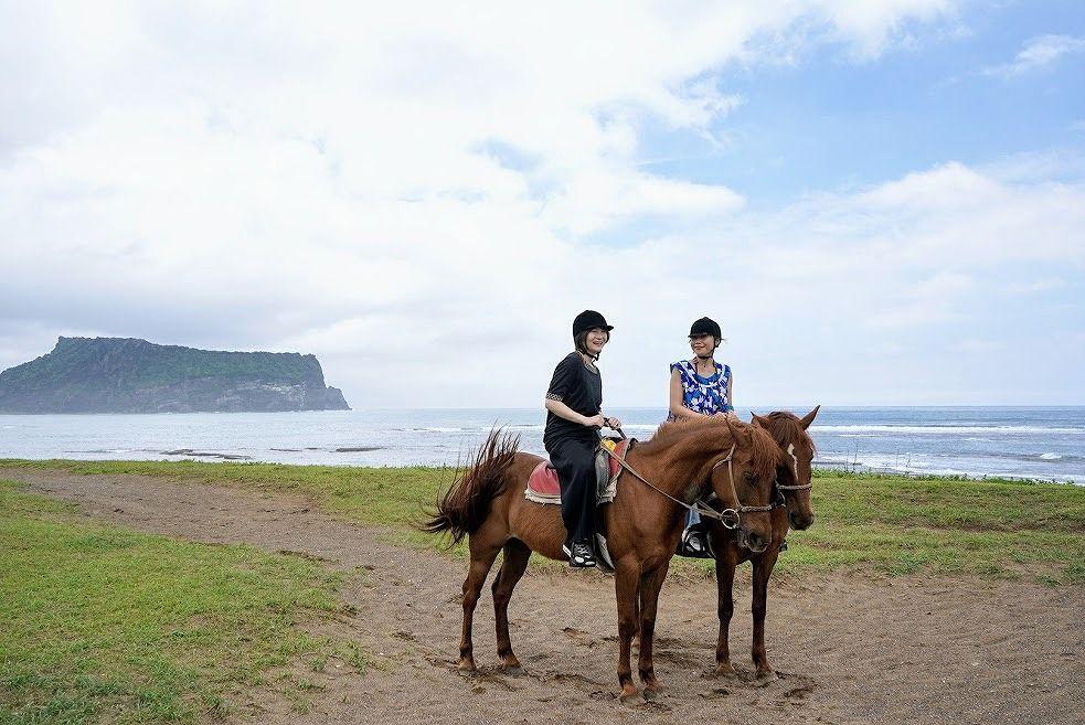 乗馬をするなら世界遺産・城山日出岬をバックに!