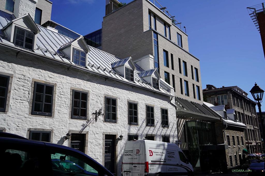 モントリオール旧市街の中心に建つ「ウィリアム グレイ」