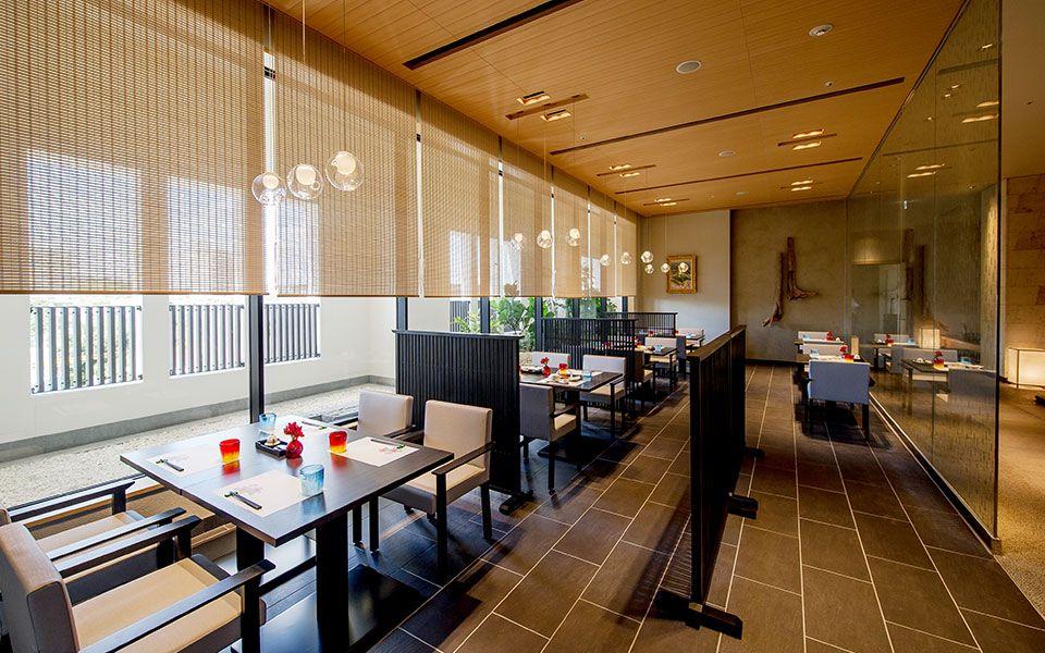 和食と琉球料理のコラボ!地元の料理を楽しむ