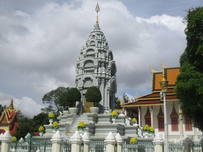 王室の菩提寺・シルバーパゴダ