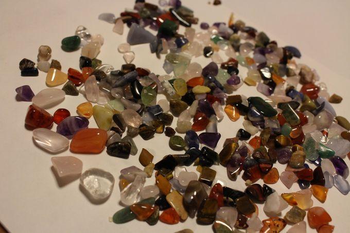 目が釘付け!美しい宝石の数々